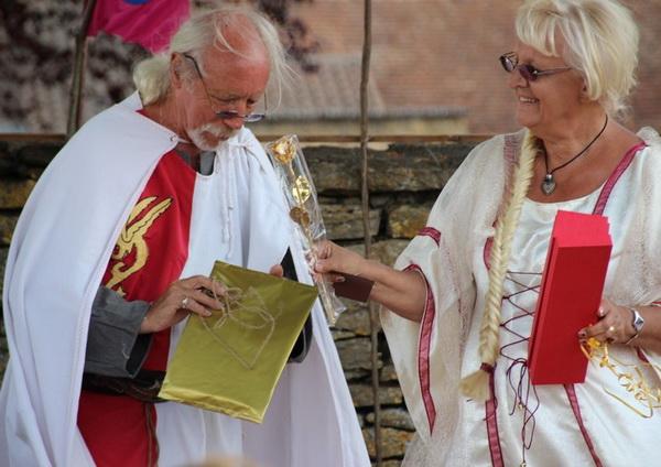 noces-d-or-renouvellent-de-voeux-adeuxmainstenant-ceremonie-laique-16